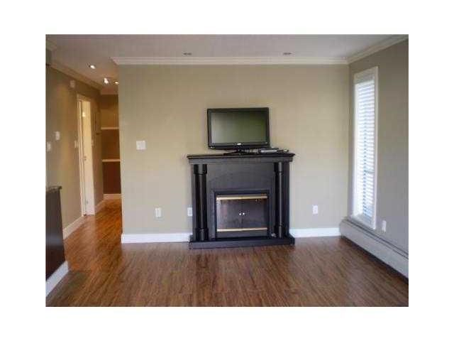 """Photo 3: Photos: 204 803 QUEENS Avenue in New Westminster: Uptown NW Condo for sale in """"SUNDAYLE MANOR"""" : MLS®# V874130"""