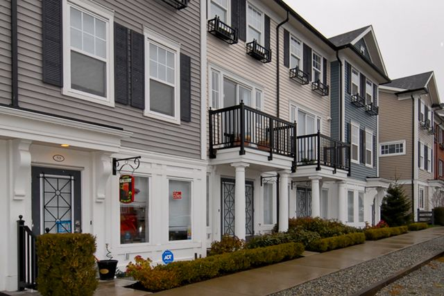 Main Photo: 57 7238 189TH STREET: Townhouse for sale : MLS®# F1303620