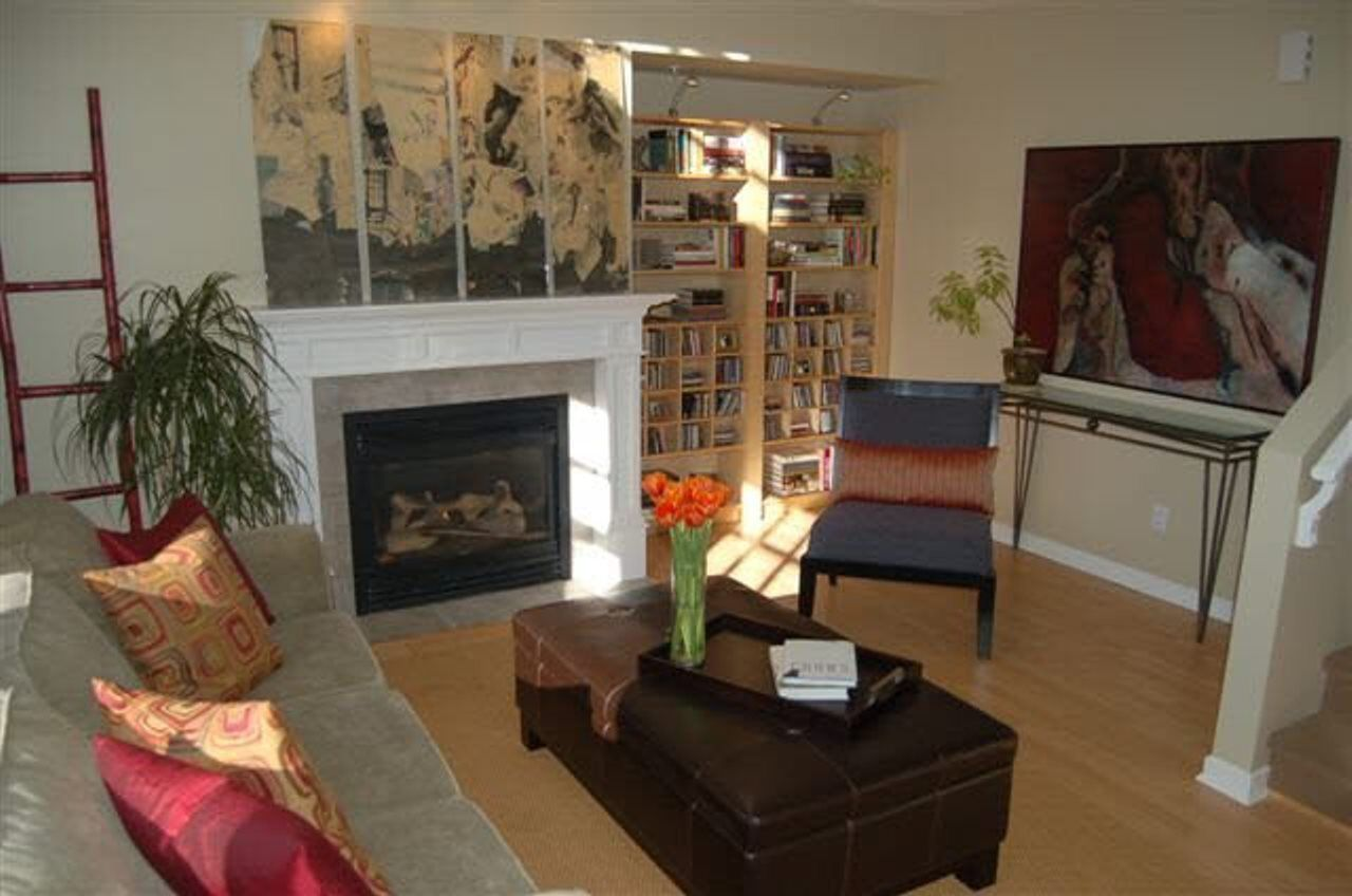 Photo 7: Photos: 1807 NAPIER Street in Vancouver: Grandview Woodland Condo for sale (Vancouver East)  : MLS®# R2443226