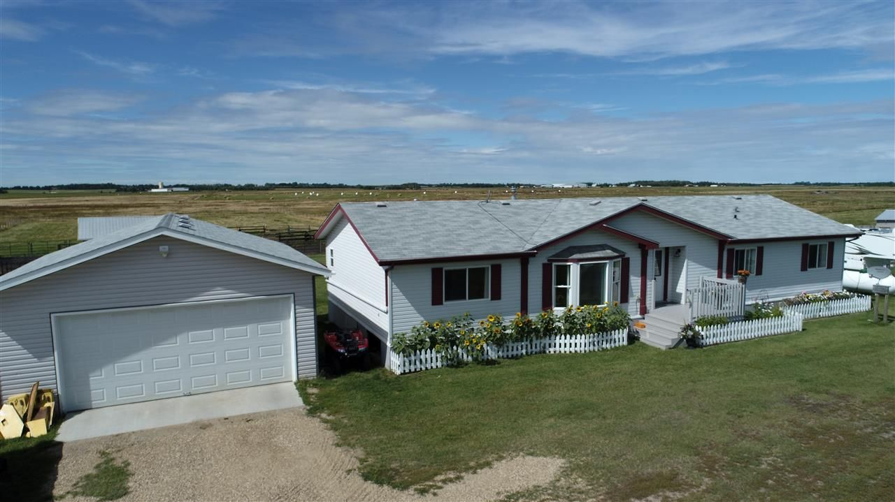 Main Photo: 1040 48520 Hwy 2A: Rural Leduc County House for sale : MLS®# E4230417