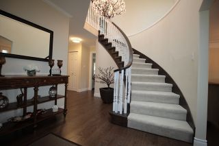 """Photo 2: 22274 47 Avenue in Langley: Murrayville House for sale in """"Murrayville"""" : MLS®# R2182979"""