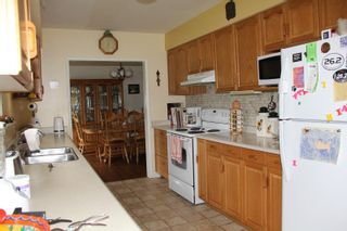 Photo 3: 586 WARDLE Street in Hope: Hope Center House for sale : MLS®# R2323361