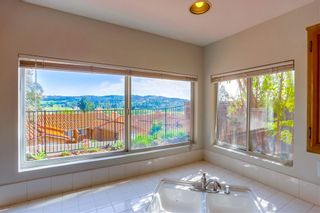 Photo 9: BONSALL House for sale : 3 bedrooms : 5717 Kensington Pl