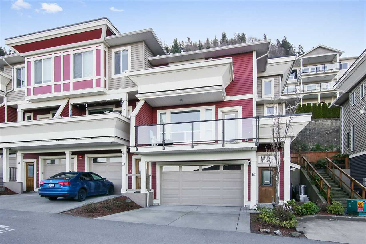 """Main Photo: 16 47315 SYLVAN Drive in Chilliwack: Promontory Townhouse for sale in """"SPECTRUM"""" (Sardis)  : MLS®# R2438096"""