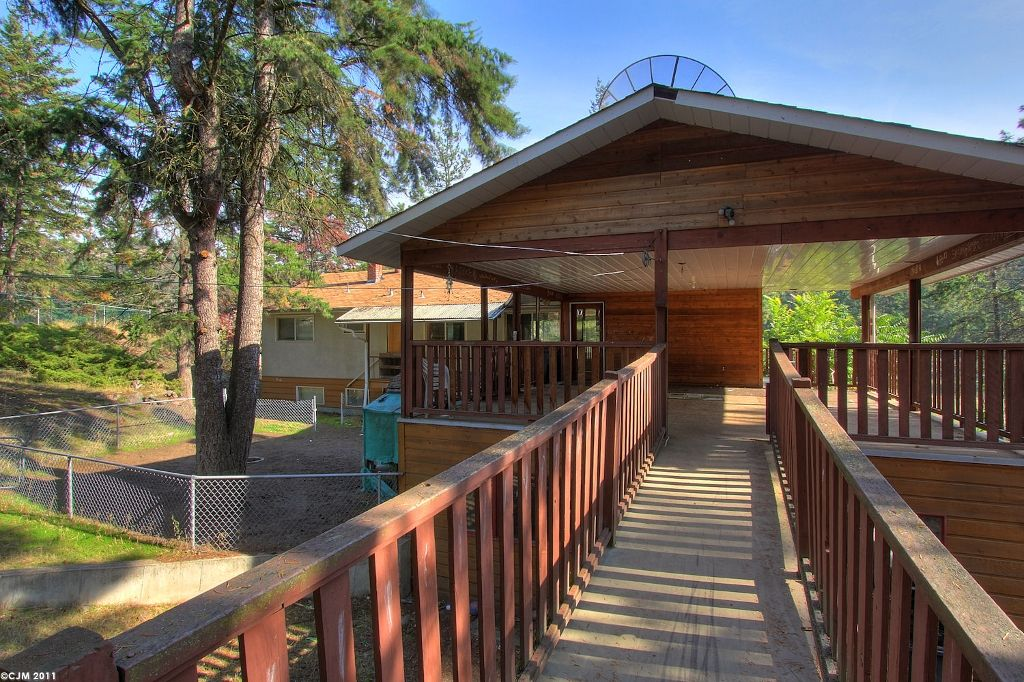 Main Photo: 338 Clifton Road in Kelowna: Other for sale : MLS®# 10037244