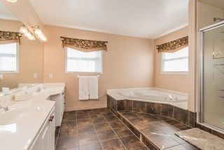 Photo 17: 57 Lahaye Drive in Whitby: Lynde Creek House (2-Storey) for sale : MLS®# E4043438