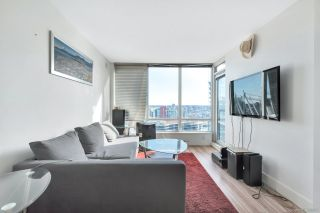 "Photo 2: 3003 928 BEATTY Street in Vancouver: Yaletown Condo for sale in ""The Max"" (Vancouver West)  : MLS®# R2362909"