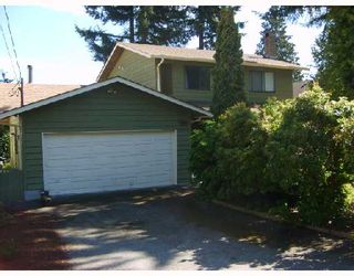 """Photo 1: 560 OCEANVIEW Drive in Gibsons: Gibsons & Area House for sale in """"WOODCREEK PARK"""" (Sunshine Coast)  : MLS®# V672375"""