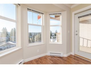 """Photo 11: 412 5438 198 Street in Langley: Langley City Condo for sale in """"CREEKSIDE ESTATES"""" : MLS®# R2021826"""