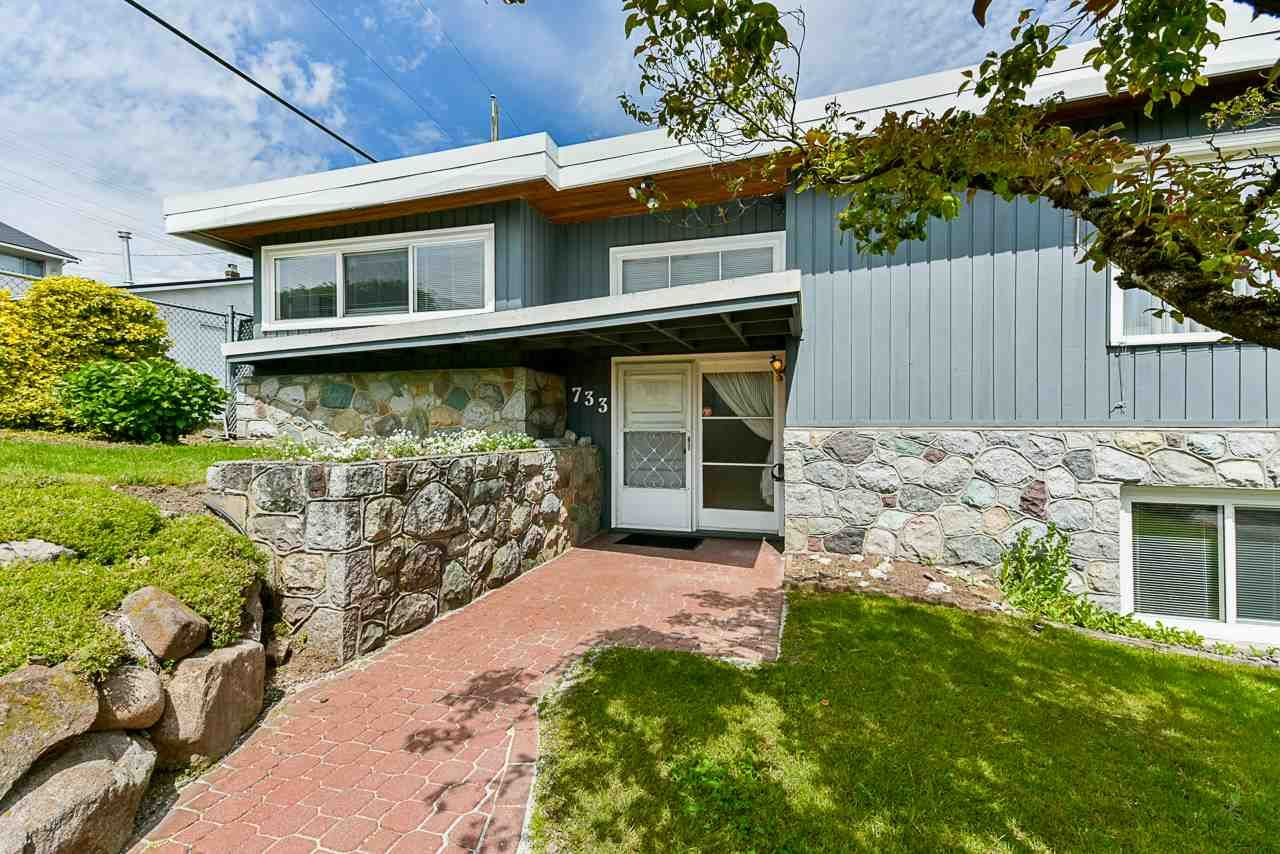 """Main Photo: 733 MCKAY Street in New Westminster: The Heights NW House for sale in """"Massey Heights"""" : MLS®# R2460631"""
