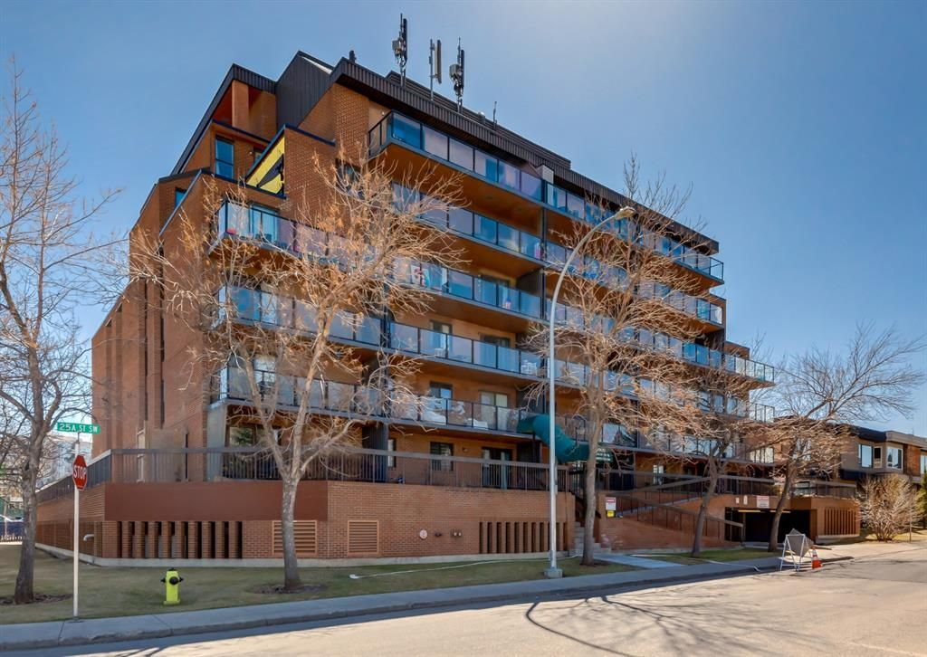 Main Photo: 209 1900 25A Street SW in Calgary: Richmond Apartment for sale : MLS®# A1101426