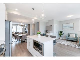 """Photo 13: 17 15717 MOUNTAIN VIEW Drive in Surrey: Grandview Surrey Townhouse for sale in """"Olivia"""" (South Surrey White Rock)  : MLS®# R2572266"""