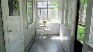 Photo 2: 634 Garwood Avenue in Winnipeg: Residential for sale (1B)  : MLS®# 1813406