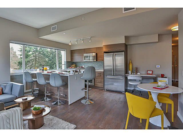 Photo 12: Photos: 302 317 Bewicke Avenue in North Vancouver: Hamilton Condo for sale : MLS®# V1112342