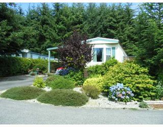 "Photo 1: 23 4116 BROWNING Road in Sechelt: Sechelt District Manufactured Home for sale in ""ROCKLAND WYNDE"" (Sunshine Coast)  : MLS®# V781061"