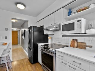 """Photo 6: 204 1860 ROBSON Street in Vancouver: West End VW Condo for sale in """"Stanley Park Place"""" (Vancouver West)  : MLS®# R2619099"""