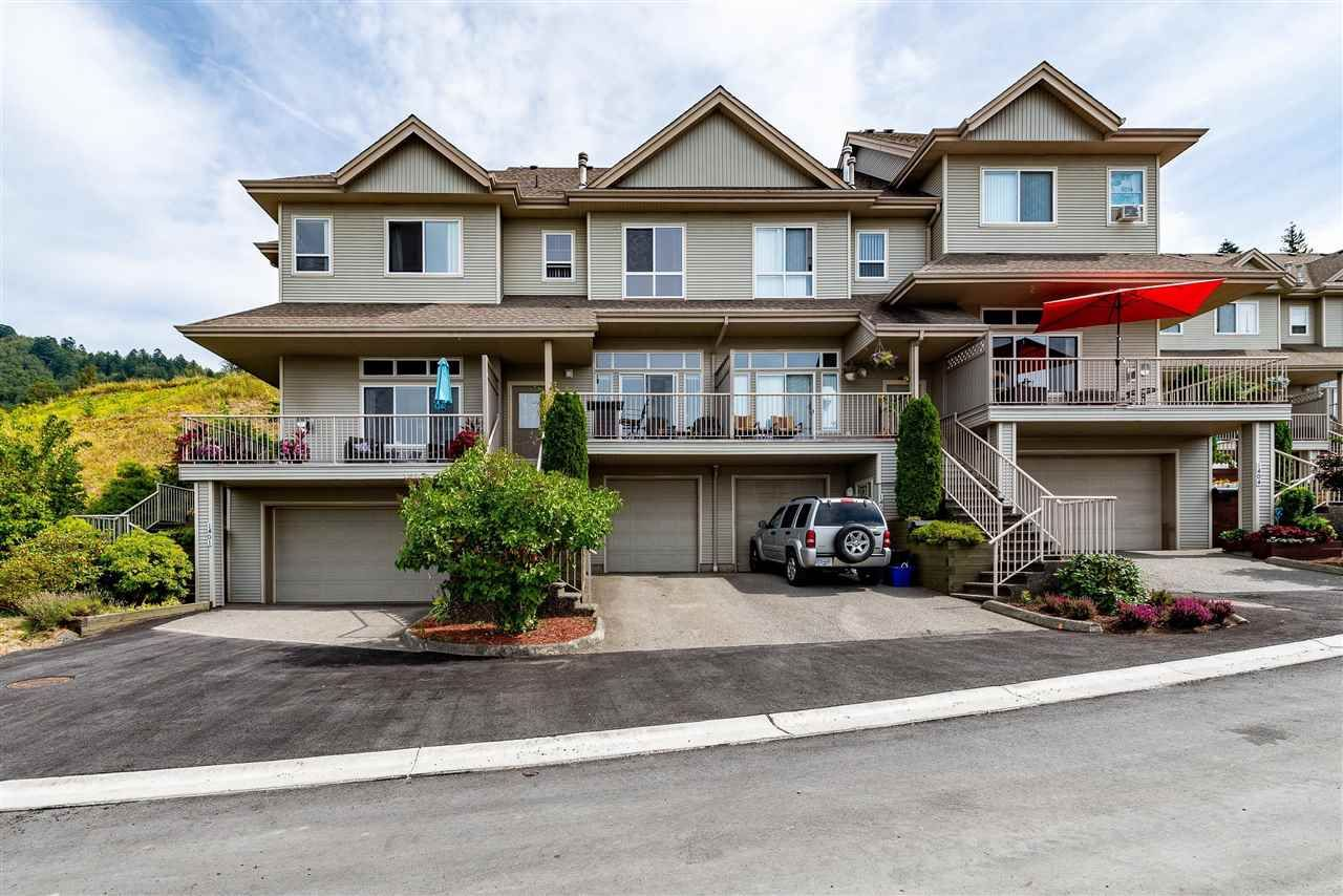 Main Photo: 1402 5260 GOLDSPRING Place in Sardis: Promontory Townhouse for sale : MLS®# R2426535