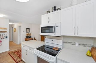 Photo 11: 215 10110 Fifth St in : Si Sidney North-East Condo for sale (Sidney)  : MLS®# 880325