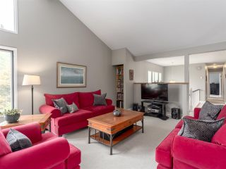 """Photo 3: 40186 KINTYRE Drive in Squamish: Garibaldi Highlands House for sale in """"Kintyre Bench"""" : MLS®# R2195006"""