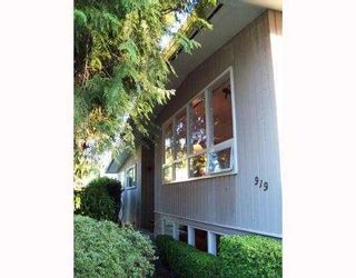 "Photo 2: 919 LEOVISTA Avenue in North_Vancouver: Capilano Highlands House for sale in ""EDGEMONT VILLAGE"" (North Vancouver)  : MLS®# V764775"