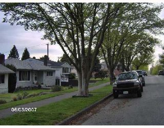 Photo 9: 2926 E 8TH Avenue in Vancouver: Renfrew VE House for sale (Vancouver East)  : MLS®# V733462