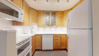 """Photo 22: 104 925 W 15TH Avenue in Vancouver: Fairview VW Condo for sale in """"The Emperor"""" (Vancouver West)  : MLS®# R2500079"""