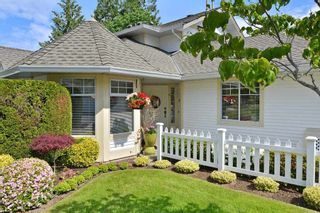 "Photo 2: 136 8737 212TH Street in Langley: Walnut Grove Townhouse for sale in ""Chartwell Green"" : MLS®# R2072695"