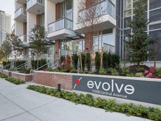 "Photo 11: 1607 13308 CENTRAL Avenue in Surrey: Whalley Condo for sale in ""Evolve"" (North Surrey)  : MLS®# R2504850"