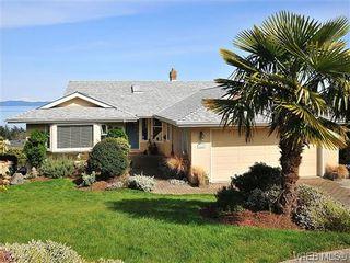 Photo 1: 858 Seamist Crt in VICTORIA: SE Cordova Bay House for sale (Saanich East)  : MLS®# 638215