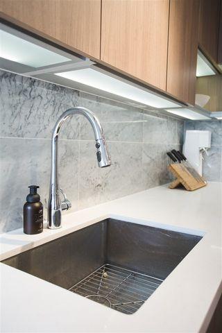 Photo 3: 807 13750 100 Avenue in Surrey: Whalley Condo for sale (North Surrey)  : MLS®# R2557475