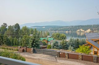 Photo 1: 1729 3RD AVENUE in Invermere: House for sale : MLS®# 2459985
