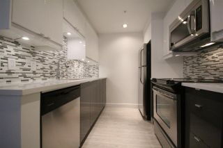 """Photo 4: 508 1009 EXPO Boulevard in Vancouver: Yaletown Condo for sale in """"Landmark 33"""" (Vancouver West)  : MLS®# R2022624"""