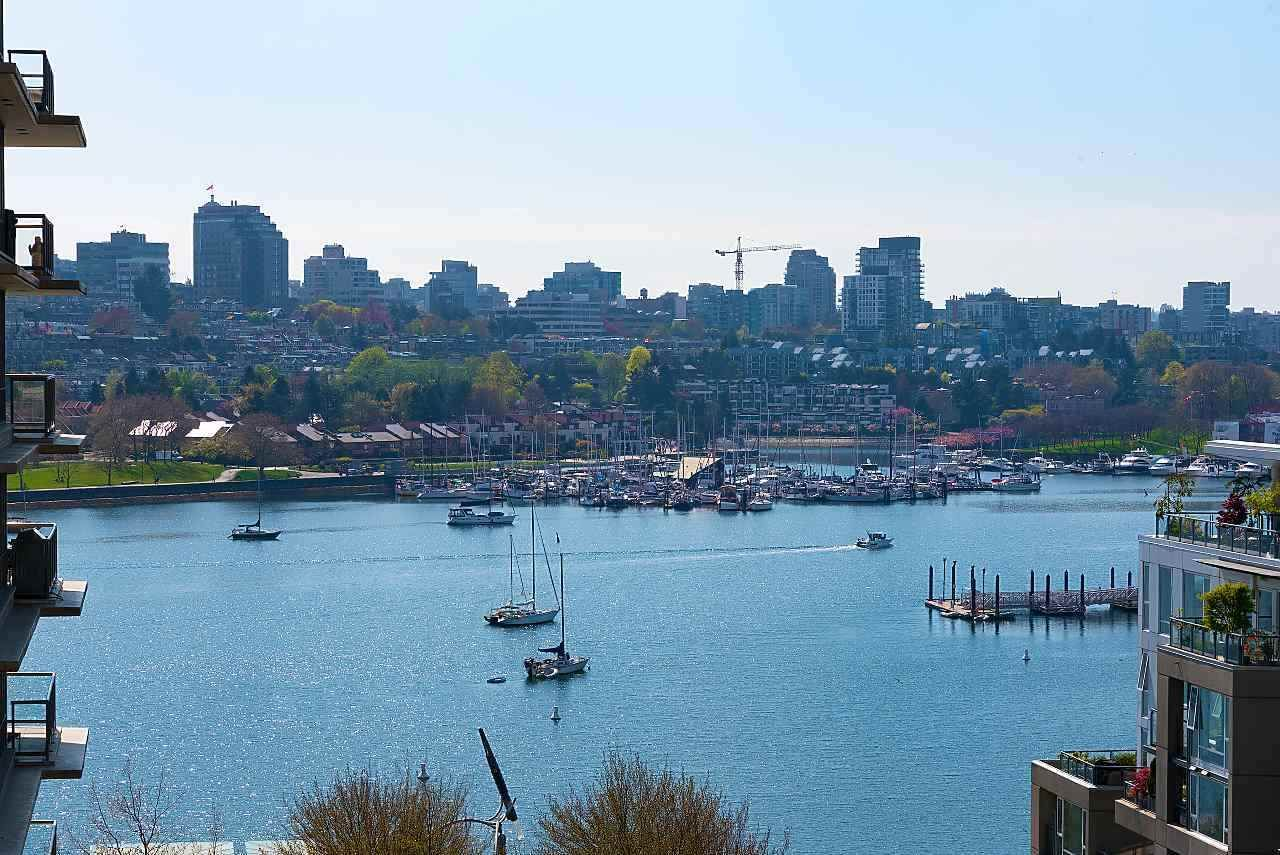 Main Photo: 1007 1288 MARINASIDE CRESCENT in Vancouver: Yaletown Condo for sale (Vancouver West)  : MLS®# R2514095