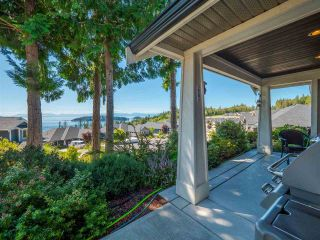 """Photo 2: 5557 PEREGRINE Crescent in Sechelt: Sechelt District House for sale in """"SilverStone Heights"""" (Sunshine Coast)  : MLS®# R2492023"""