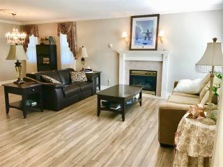 """Photo 2: 16 7292 ELM Road: Agassiz House for sale in """"Maplewood Village"""" : MLS®# R2417178"""