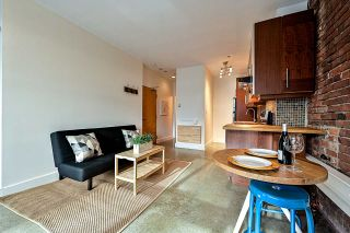 """Photo 4: 204 1230 HAMILTON Street in Vancouver: Yaletown Condo for sale in """"THE COOPERAGE"""" (Vancouver West)  : MLS®# R2549610"""