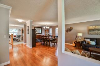 Photo 3: 15894 102A Avenue in Surrey: Guildford House for sale (North Surrey)  : MLS®# R2268207