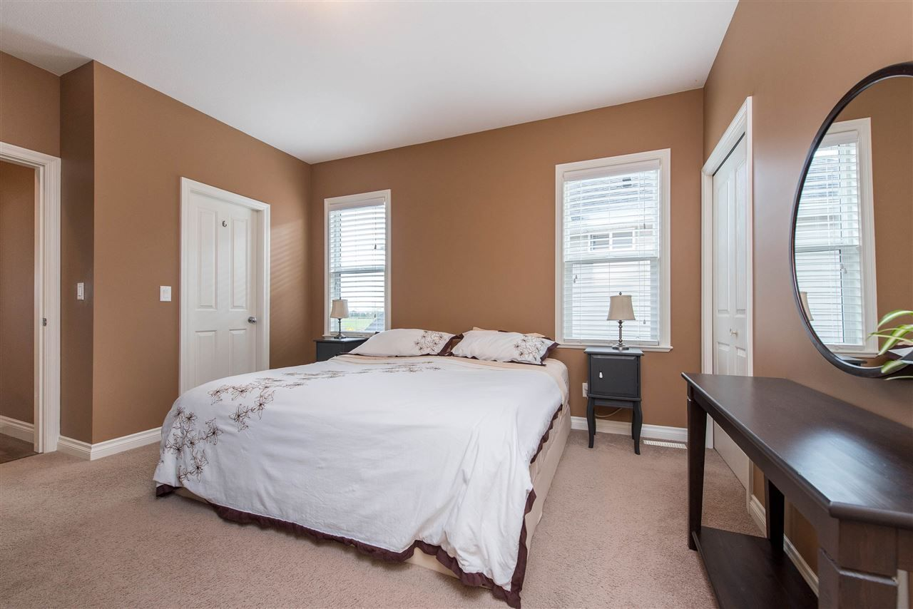 "Photo 20: Photos: 34914 2 Avenue in Abbotsford: Poplar House for sale in ""Huntingdon Village"" : MLS®# R2548984"