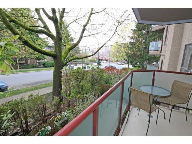 """Photo 10: Photos: 105 2150 BRUNSWICK Street in Vancouver: Mount Pleasant VE Condo for sale in """"MOUNT PLEASANT PLACE"""" (Vancouver East)  : MLS®# V884597"""