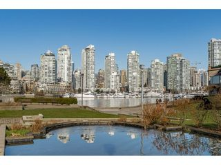 """Photo 2: 314 518 MOBERLY Road in Vancouver: False Creek Condo for sale in """"NEWPORT QUAY"""" (Vancouver West)  : MLS®# R2437240"""