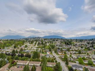 """Photo 19: 2804 2225 HOLDOM Avenue in Burnaby: Central BN Condo for sale in """"LEGACY TOWER 1"""" (Burnaby North)  : MLS®# R2071147"""