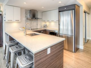Photo 3: 1408 1783 MANITOBA STREET in Vancouver: False Creek Condo for sale (Vancouver West)  : MLS®# R2007052