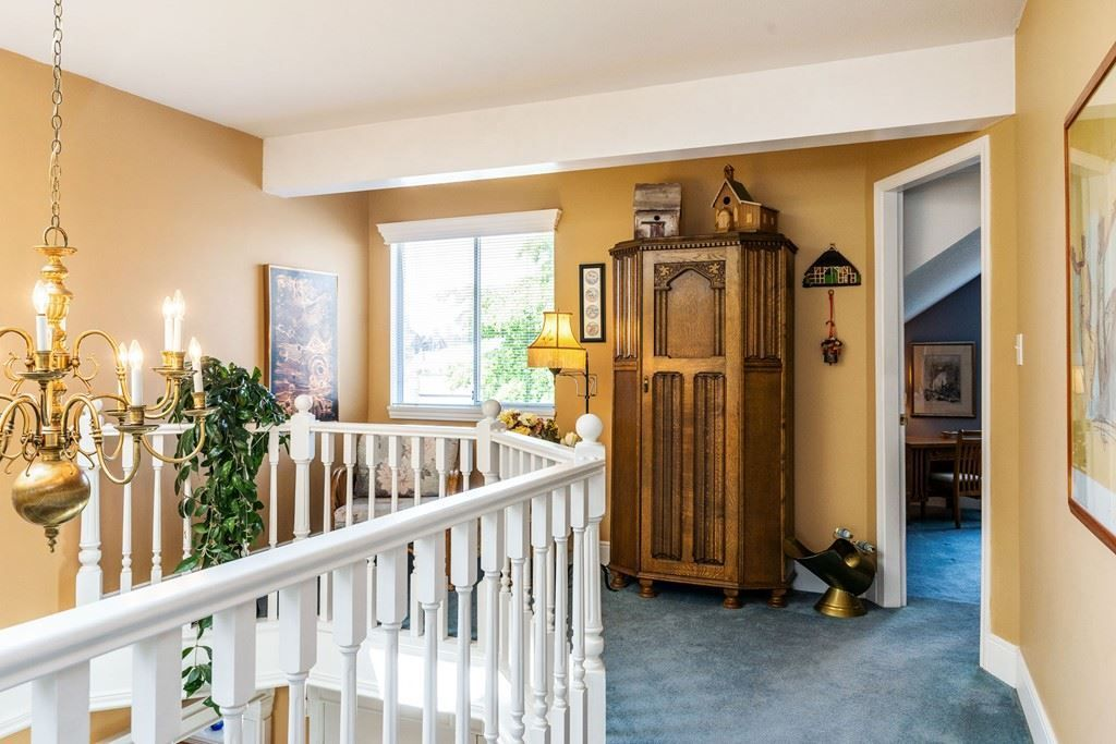 Photo 19: Photos: 6192 191A Street in Surrey: Cloverdale BC House for sale (Cloverdale)  : MLS®# R2279041