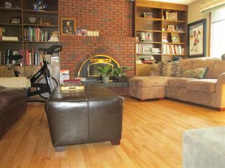 Photo 1: 3412 83 Street in Edmonton: Zone 29 House for sale : MLS®# E4238762