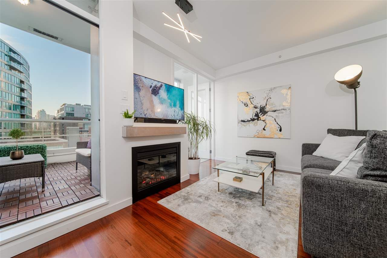 Main Photo: 404 2055 YUKON STREET in Vancouver: False Creek Condo for sale (Vancouver West)  : MLS®# R2537726