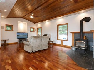 Photo 3: 922 Latoria Rd in VICTORIA: La Olympic View House for sale (Langford)  : MLS®# 823332