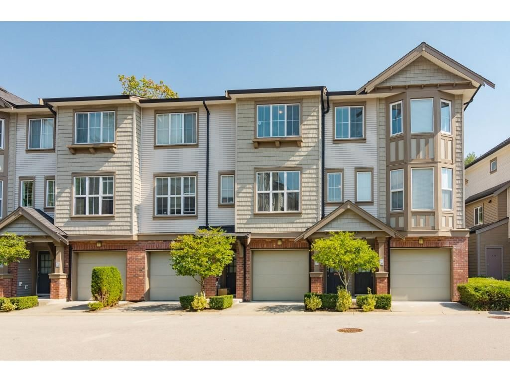 """Main Photo: 27 14838 61 Avenue in Surrey: Sullivan Station Townhouse for sale in """"Sequoia"""" : MLS®# R2494973"""