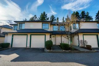 "Main Photo: 27 21960 RIVER Road in Maple Ridge: West Central Townhouse for sale in ""FOXBOROUGH ESTATES"" : MLS®# R2551075"