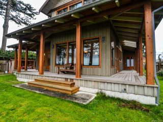 Photo 2: 3777 S ISLAND S Highway in CAMPBELL RIVER: CR Campbell River South House for sale (Campbell River)  : MLS®# 775066