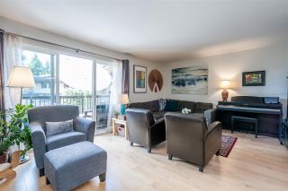 Photo 4: 6879 BROMLEY Court in Burnaby: Montecito Townhouse for sale (Burnaby North)  : MLS®# R2463043